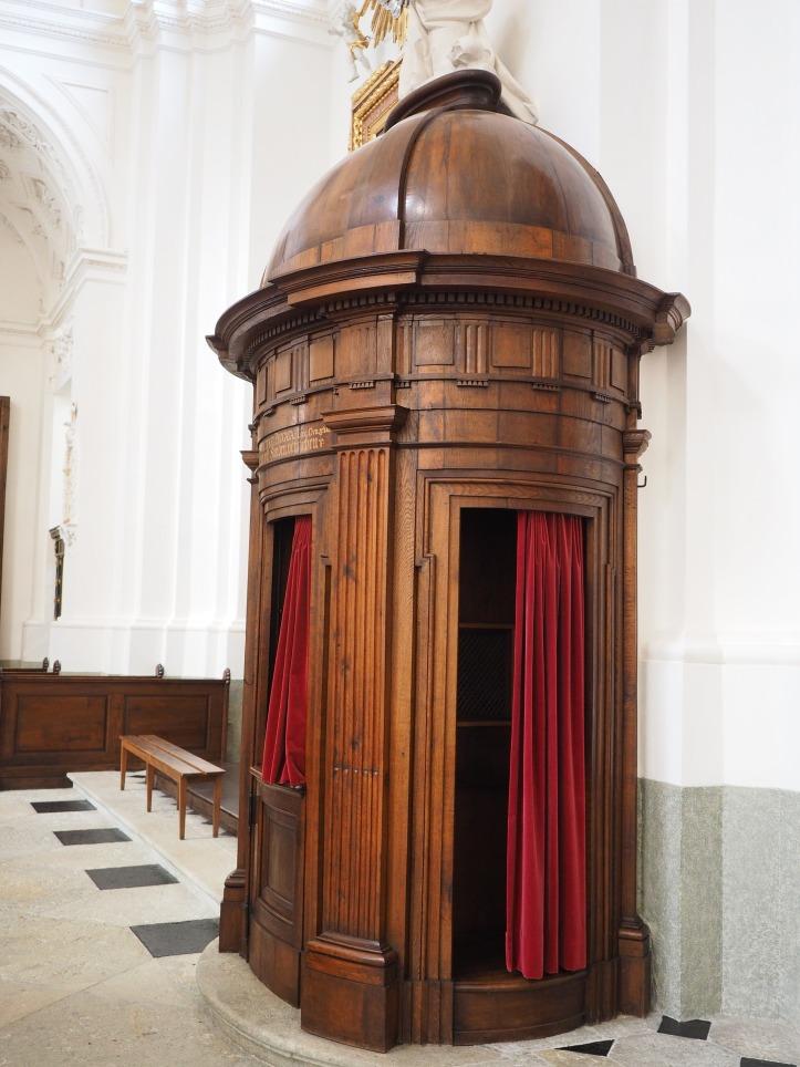 confessional-780028_1920